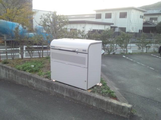 賃貸アパートゴミ箱設置